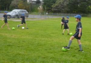 Football R10 pic 1